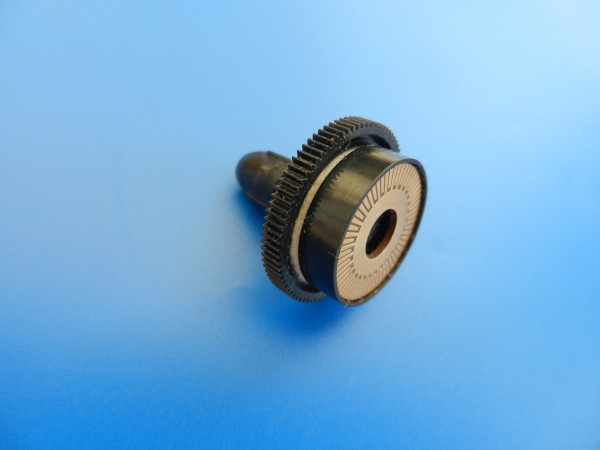 Kupplung mit Kommutator für Hifi Decks der CN 500 / 700er -Serie von GRUNDIG