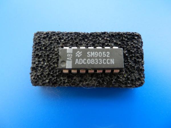 ADC0833 IC für Digitalplatte Satellit von GRUNDIG